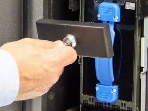 Bloqueo extracción del casete de billetes y del dispensador de monedas